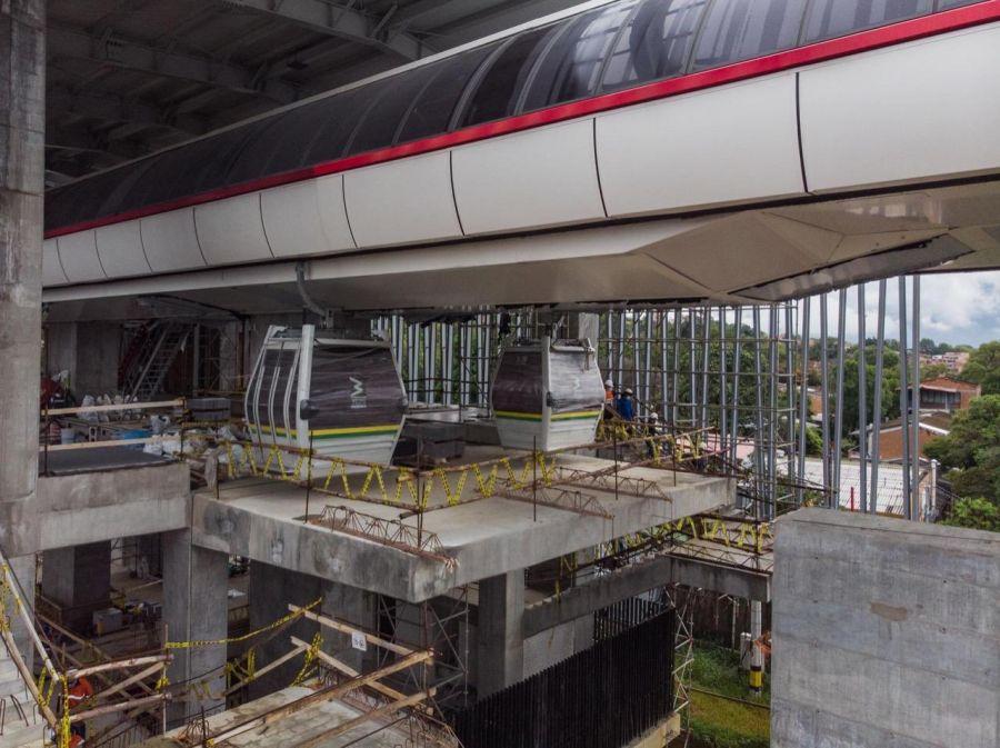 Stadseilbahn in Medellin: Bauarbeiten schreiten voran