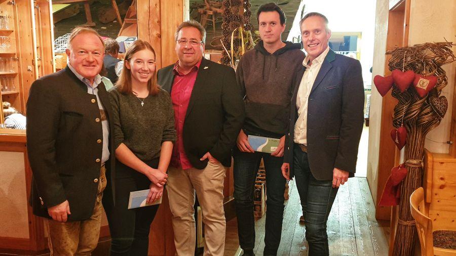 Schmittenhöhebahn ehrt Lehrlinge und langjährige Mitarbeiter